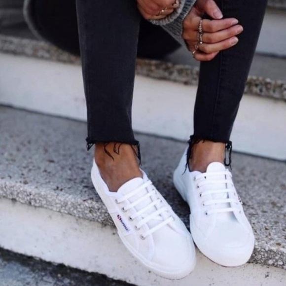 Cotu Classic White Canvas Sneaker